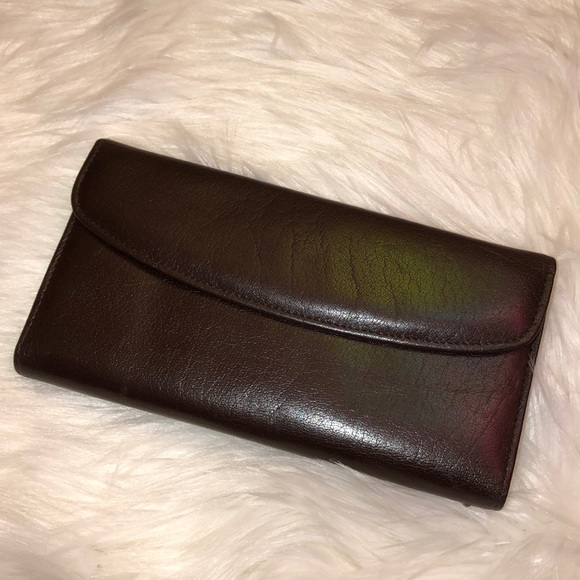 Buxton Handbags - Buxton New Leather Kiss Wallet
